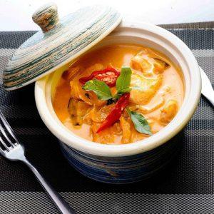 Kaeng Phed Koong Chicken