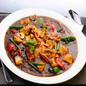 Phad Med Mamuang Koong Chicken
