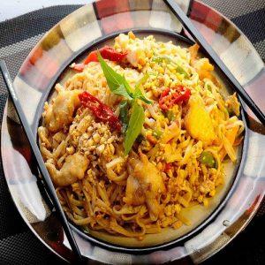 Phad Thai Koong  Chicken